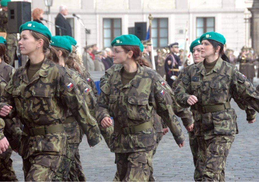 Czech Republic Armed   hot military women in the World-hot female soldier