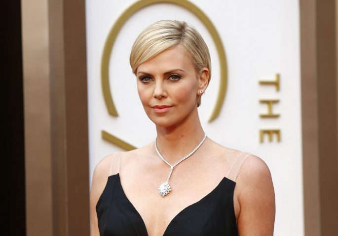 Charlize Theron | Hottest African Actresses