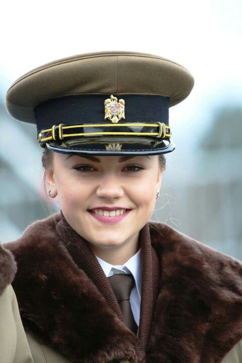 10 hot military women in the World-hot female soldier